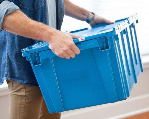 Пластикові коробки для переїзду